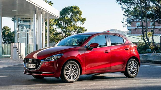 Mazda 2 Neuwagen in rot Außenansicht