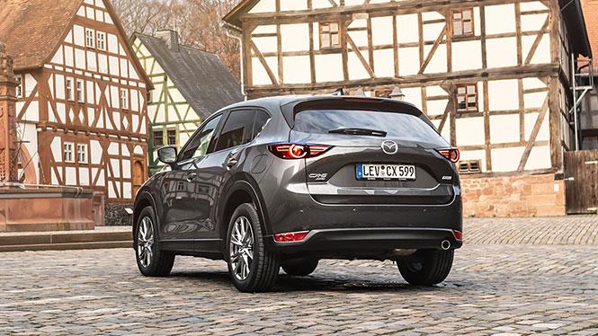 Mazda CX-5 Neuwagen in grau von hinten