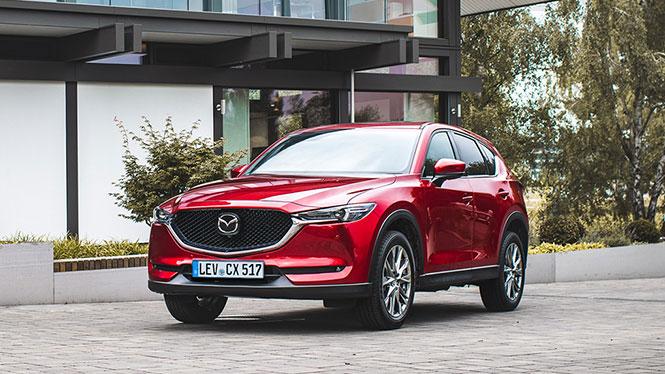 Mazda CX-5 in rot schräge Frontalansicht